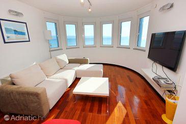 Podstrana, Living room 1 u smještaju tipa house, dostupna klima, dopusteni kucni ljubimci i WIFI.