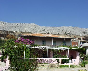 Property Sumpetar (Omiš) - Accommodation 952 - Apartments with pebble beach.