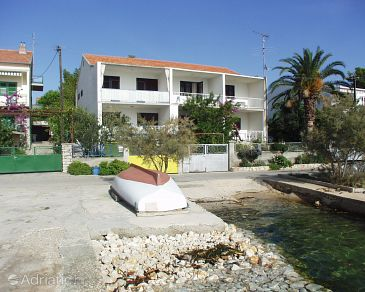Property Brodarica (Šibenik) - Accommodation 961 - Apartments near sea.
