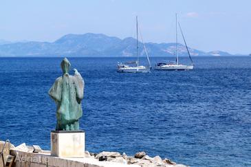 Sućuraj na otoku Hvar (Srednja Dalmacija)